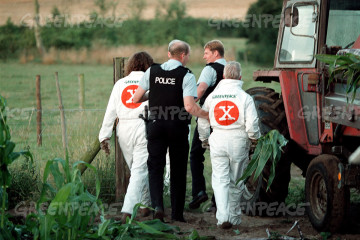 Greenpeace activists' arrest for removing genetically engeneered maize from trial farm in Lyng, UK. Accession #: 2.99.397.002.13