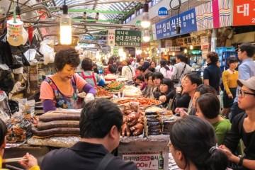 kwangjung-market-food-stall